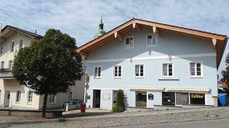 Großzügige 3-Zimmer-Wohnung am historischen Stadtplatz von Miesbach in Miesbach