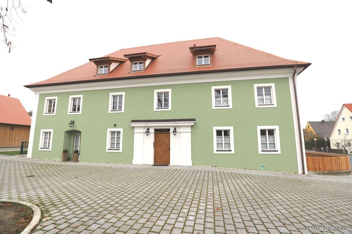 Für Individualisten - Einzigartige Wohnung mit Stuckdecke in Neumarkt in der Oberpfalz (Neumarkt in der Oberpfalz)