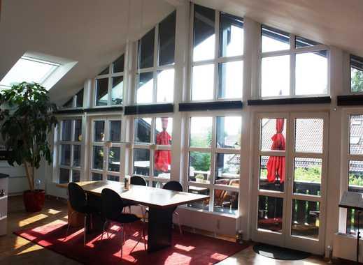 Exklusive, lichtdurchflutete 5-Zimmer-Atelier-DG-Wohnung mit EBK in Deisenhofen