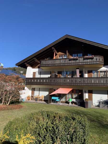 helle freundliche 2 Zi-Wohnung, EG mit Terrasse (keine Gartennutzung), mod. Bad, im gefl. Anwesen in Garmisch-Partenkirchen