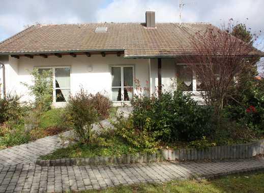 PROVISIONSFREI - Einfamilienwohnhaus mit Garten und Nebengebäude mit Carport