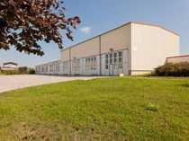 Produktionshalle mit Büro- und Sanitärtrakt