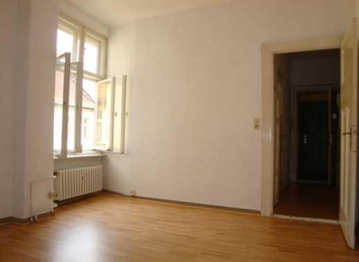 Weigandufer - schöne Singlewohnung - Kiezlage - Laminat - Herd & Spüle - ca. 30 m² - 599 € warm