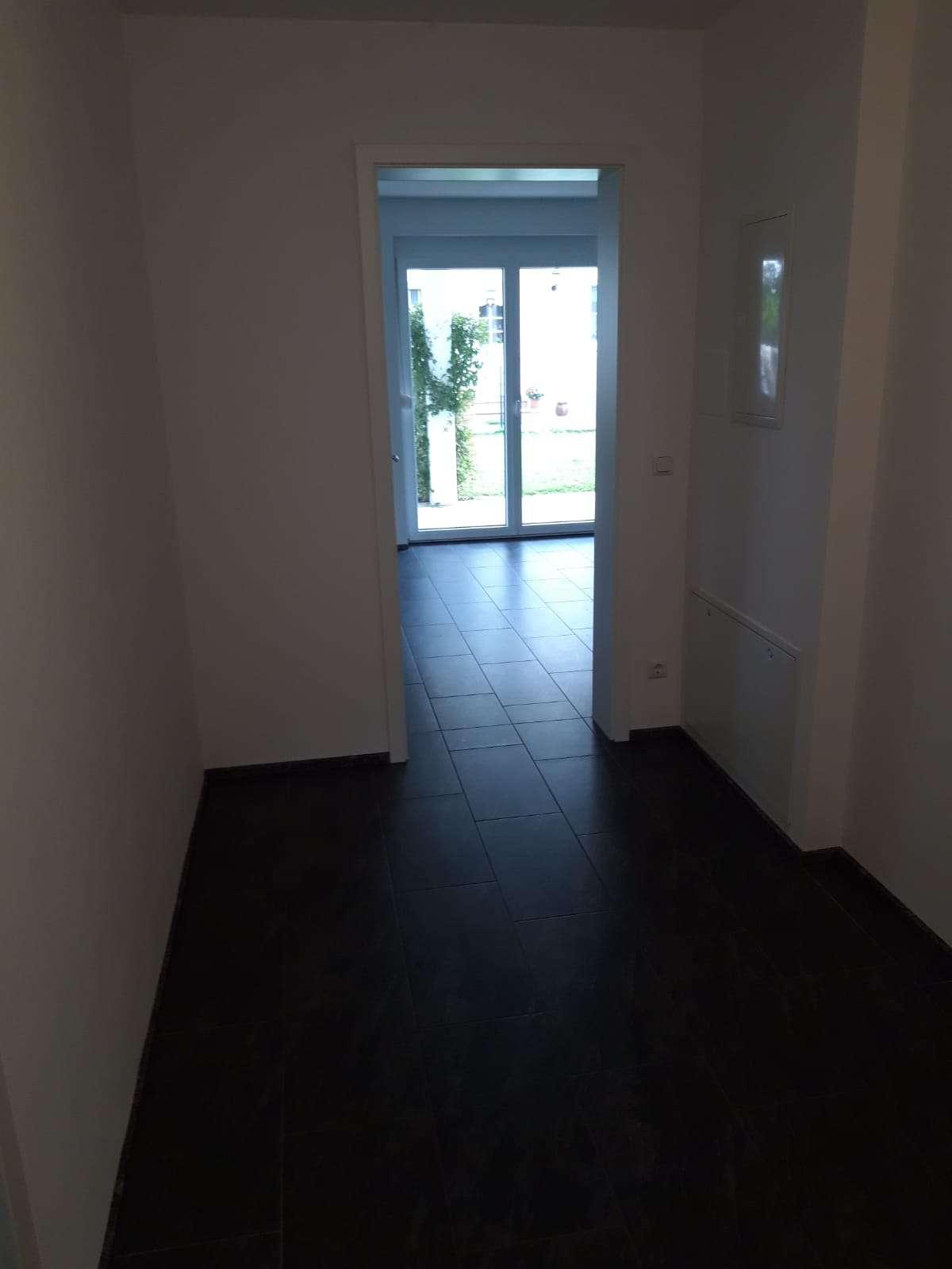 Neuwertige 3,5 Zimmer UND 2,5-Zimmer-Wohnung mit Balkon und EBK in Straubing in