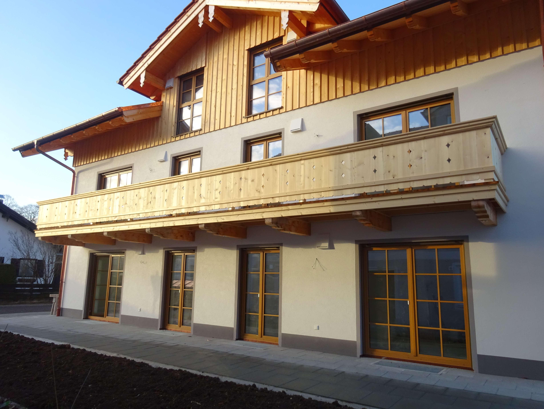 Erstbezug mit Balkon: attraktive 8-Zimmer-Wohnung in Dietramszell OT Steingau in Dietramszell