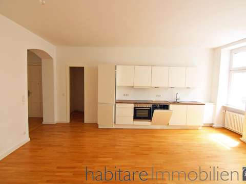 Bildschöne Altbauwohnung - saniert/offene Küche mit EBK in der ...