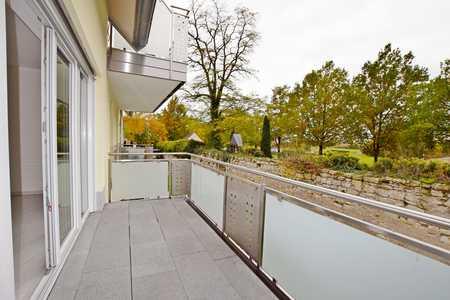 Elegante 3 Zimmer-Wohnung mit Balkon und 2 KFZ-Stellplätzen in Höchstadt an der Aisch