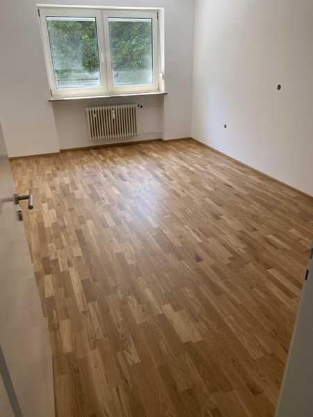 Erstbezug nach Sanierung: Schöne 3-Zimmer-Wohnung mit Balkon in München in Obergiesing (München)