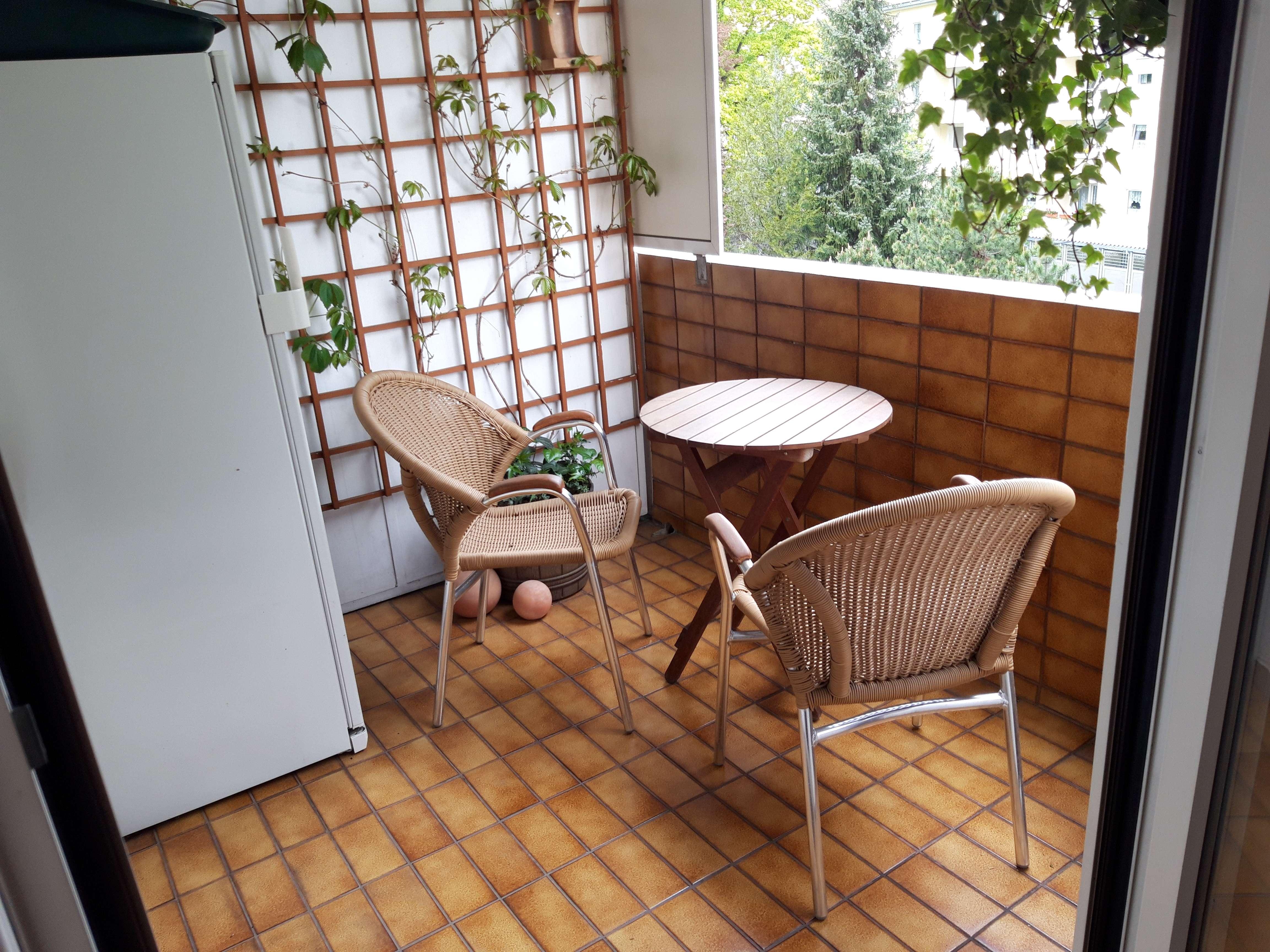 Exklusive, gepflegte 3-Zimmer-Wohnung mit Balkon und EBK in Sendling-Westpark, München