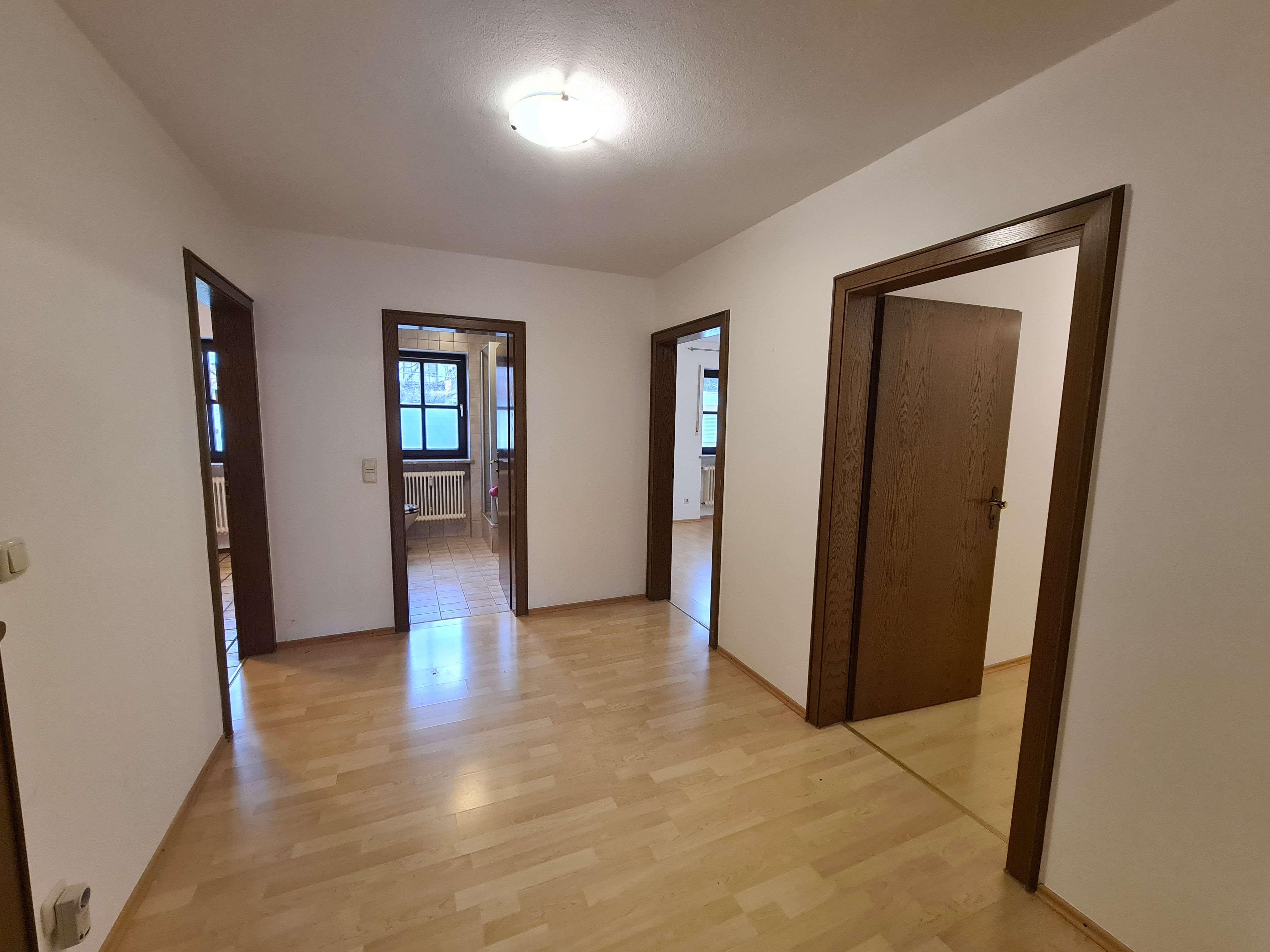 Geräumige 3 Zimmer Wohnung im Neufahrner Süden in