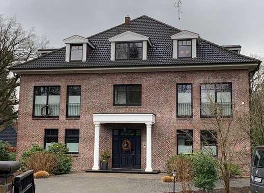 Repräsentative, helle Wohnung mit großem Balkon in bester Lage
