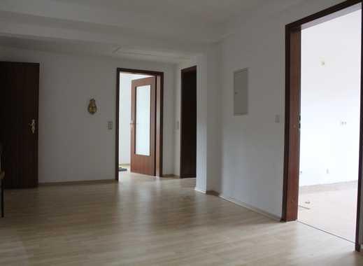 Große Wohnung in zentraler Lage mit vielen Möglichkeiten