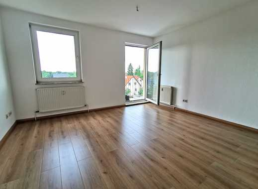 *Helle 3-Raumwohnung mit Balkon und Blick ins Grüne*