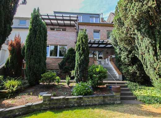 Historisches Stadthaus in zentraler Lage: 10-Zi.-EFH mit Garten & vielfältigen Nutzungsmöglichkeiten