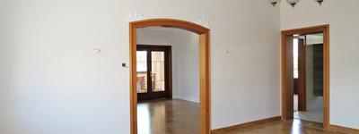 Exklusiv renovierte 3 Zimmer-Altbau-Wohnung mit sep. Eingang, Balkon u. Stellplatz in B.O. -Rehme