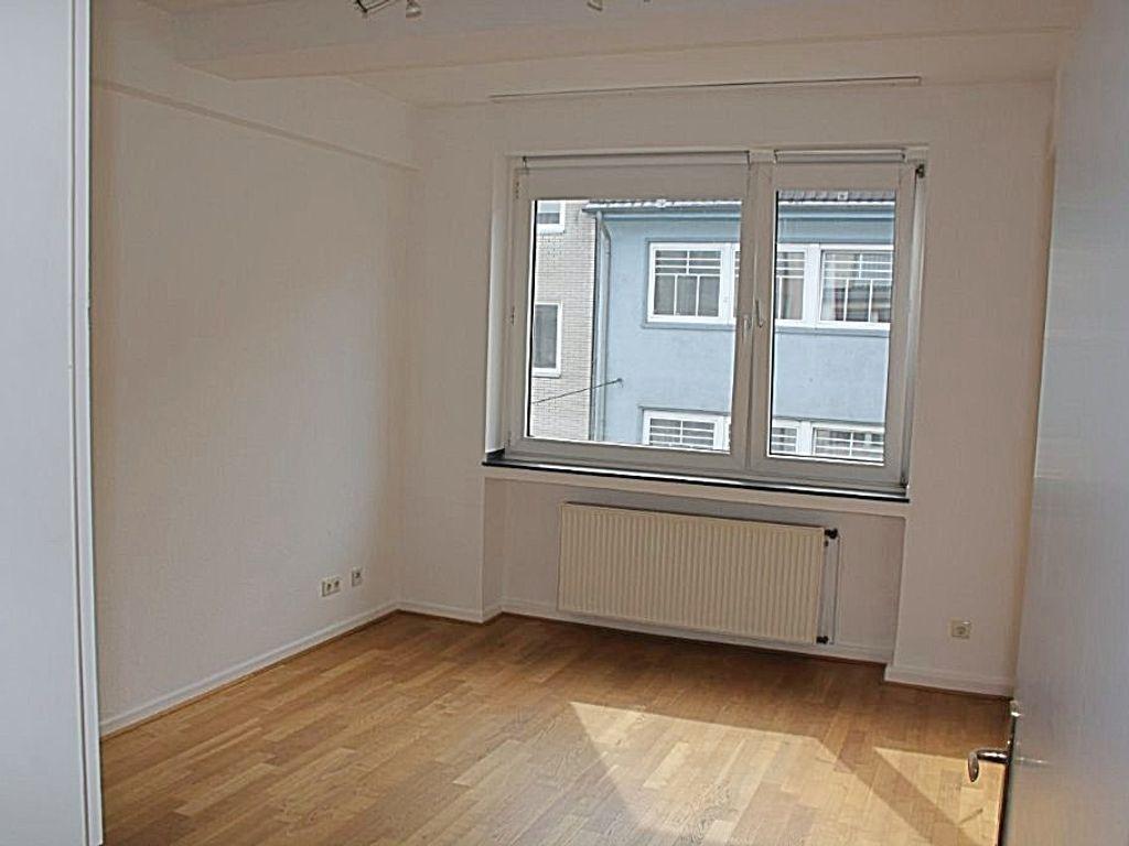 Schöne 3-Zimmer-Wohnung in Düsseldorf, Nähe Schadow-Arkaden und Kö-Bogen
