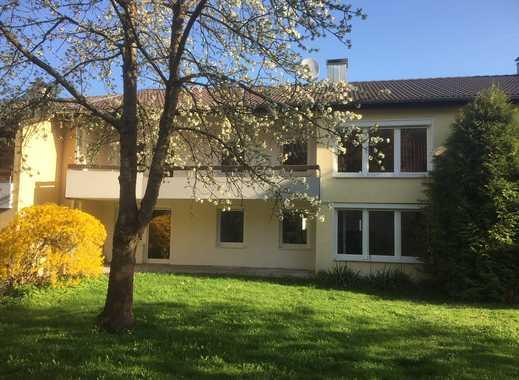 Erstbezug: Sanierte 5-Zimmer Wohnung mit eigenem Garten in Top-Lage in Neubauzustand WE04
