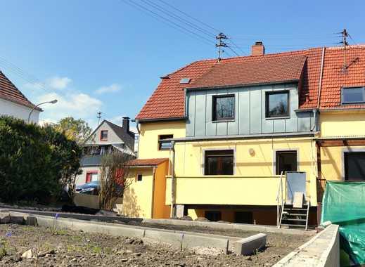 Komplett saniertes Einfamilienhaus mit Dachterrasse, Garten und EBK