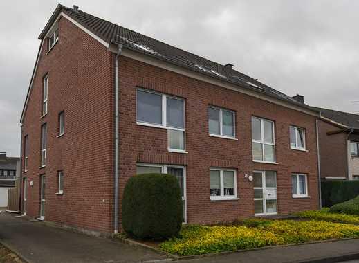 Gepflegte 3-Zimmer-DG-Wohnung mit Balkon und EBK in Möchengladbach