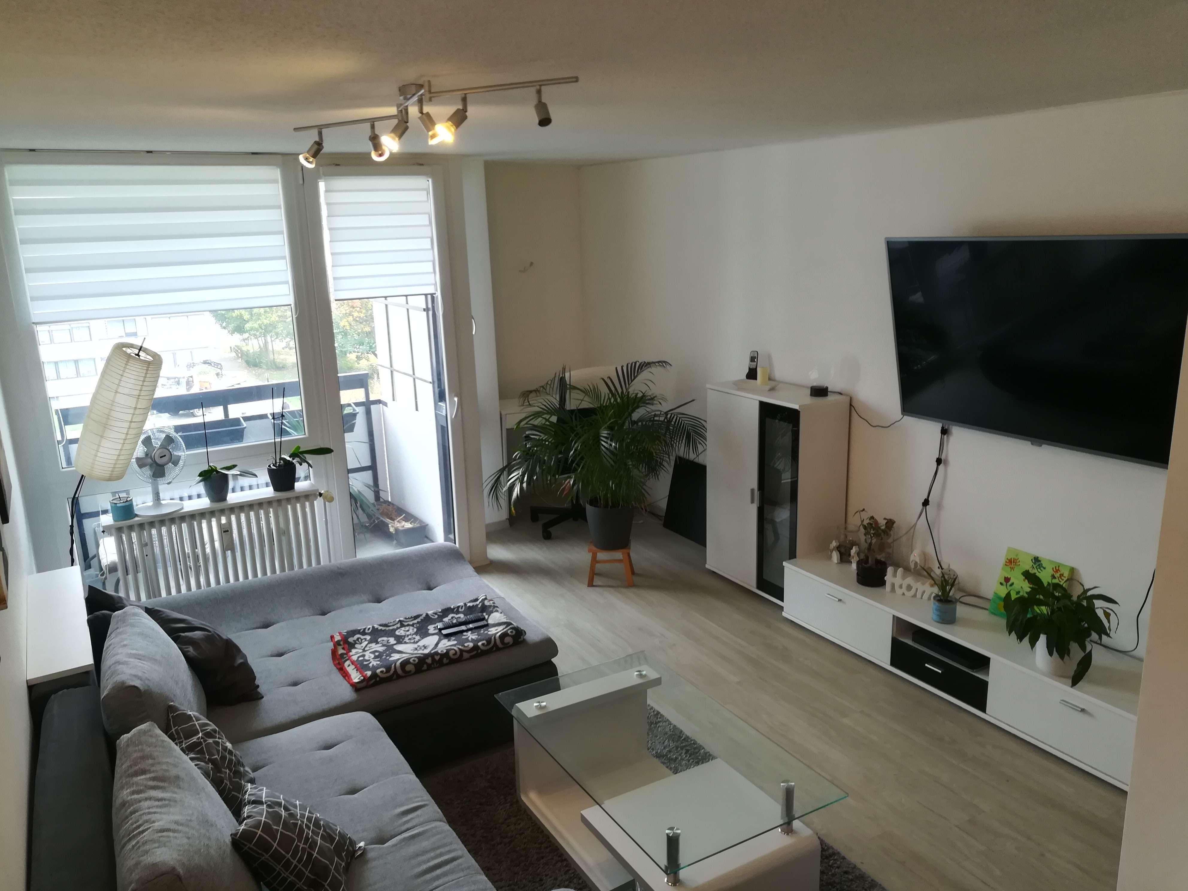 Modernisierte 1,5-Zimmer-Wohnung mit Balkon und EBK in grüner Lage in Tullnau (Nürnberg)