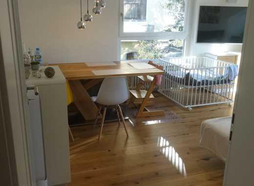Exklusive, sanierte 4,5-Zimmer-Wohnung mit 2 Balkone und Luxus EBK in Stuttgart-Plieningen