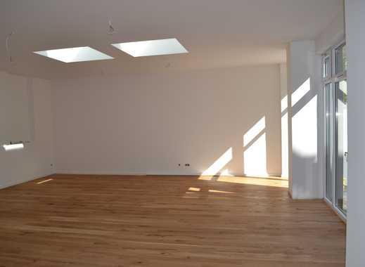 Erstbezug nach Sanierung mit Terrasse: attraktive drei Zimmer Wohnung in Köln, Mülheim