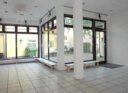 Modernes, helles Ladenlokal mit großem Schaufenster in der Ratinger Fußgängerzone !