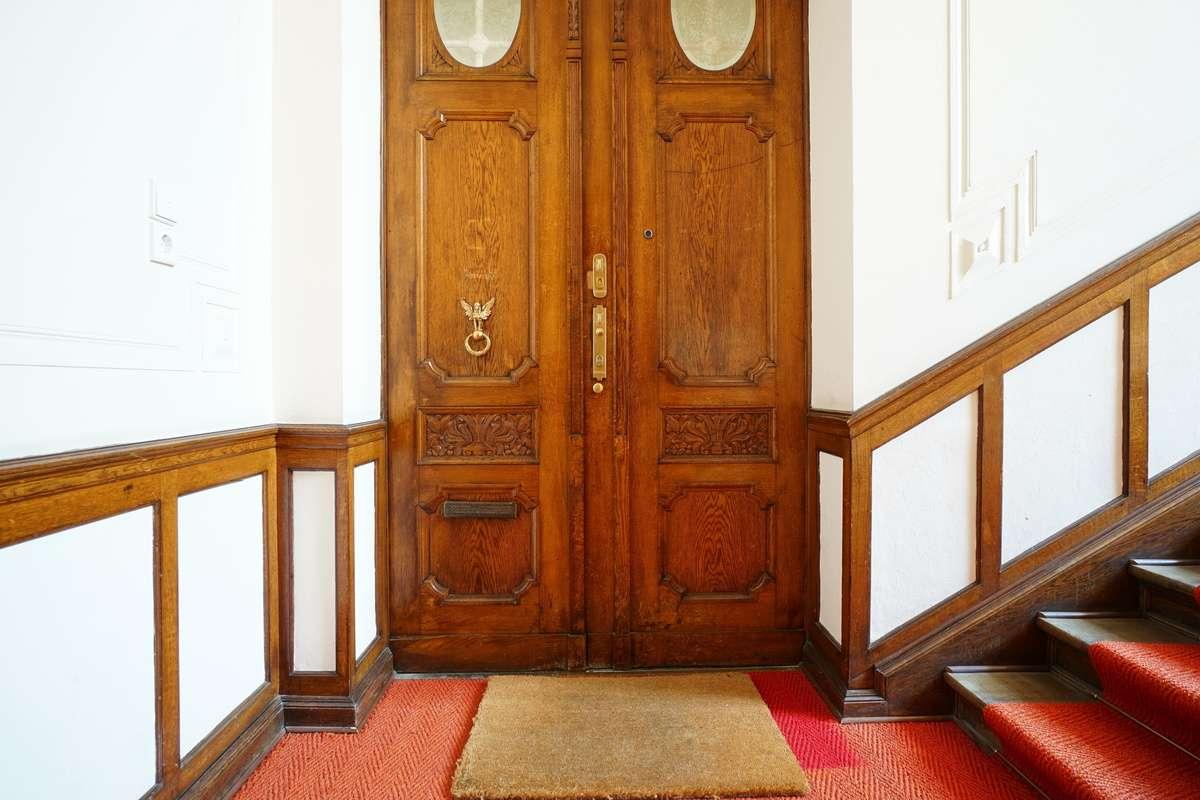 Prächtige Eingangstür