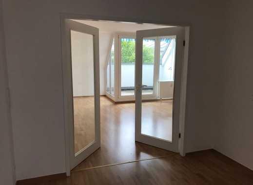 Eutritzsch* helle 2 Zimmer-DG-Whg* mit Loggia* Aufzug* Laminat* sep. Küche