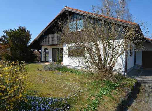 Von Privat: Einfamilienhaus in ruhiger und zentraler Lage mit sonnigem Südwestgarten.
