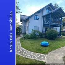 BERGFELDE Gepflegtes Zweifamilienhaus plus Bungalow