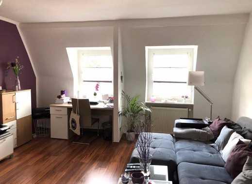 Helle, geräumige zwei Zimmer DG Wohnung in Wuppertal, Uellendahl-Katernberg