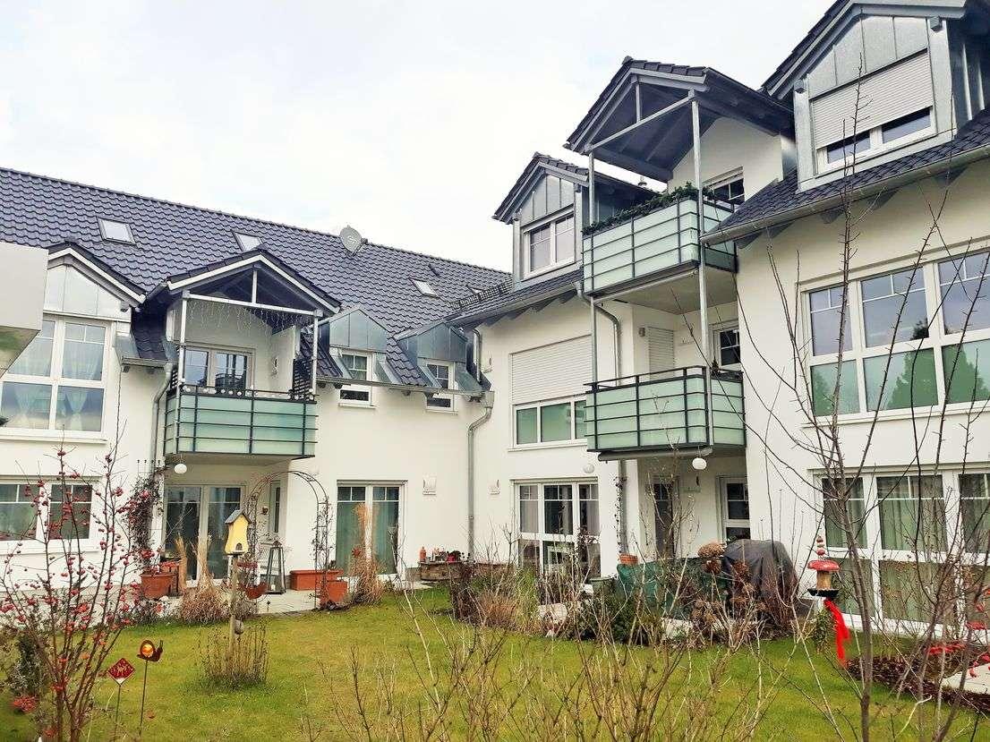 Stilvolle, neuwertige 2-Zimmer-Dachgeschosswohnung mit Balkon in Markt Schwaben in