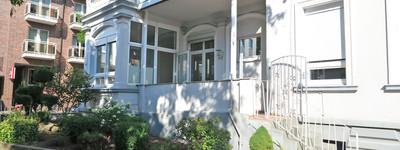 Helle 3-4 Zimmer-Wohnung mit Wintergarten, Süd-Veranda, sep. Eingang und Stellplätzen in B.O.
