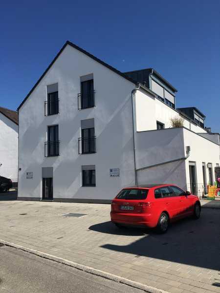 Superschöne Dachgeschoßwohnung in bevorzugter Wohngegend in Kösching