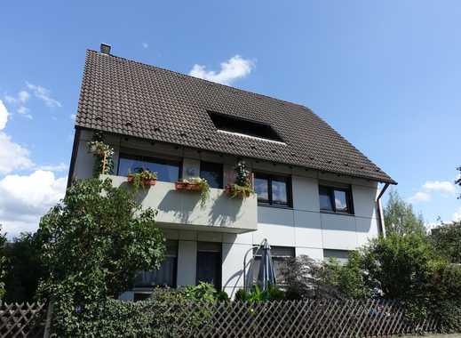 Tageslichtverwöhnte Dachgeschosswohnung mit Einbauküche und Loggia in Boxdorf