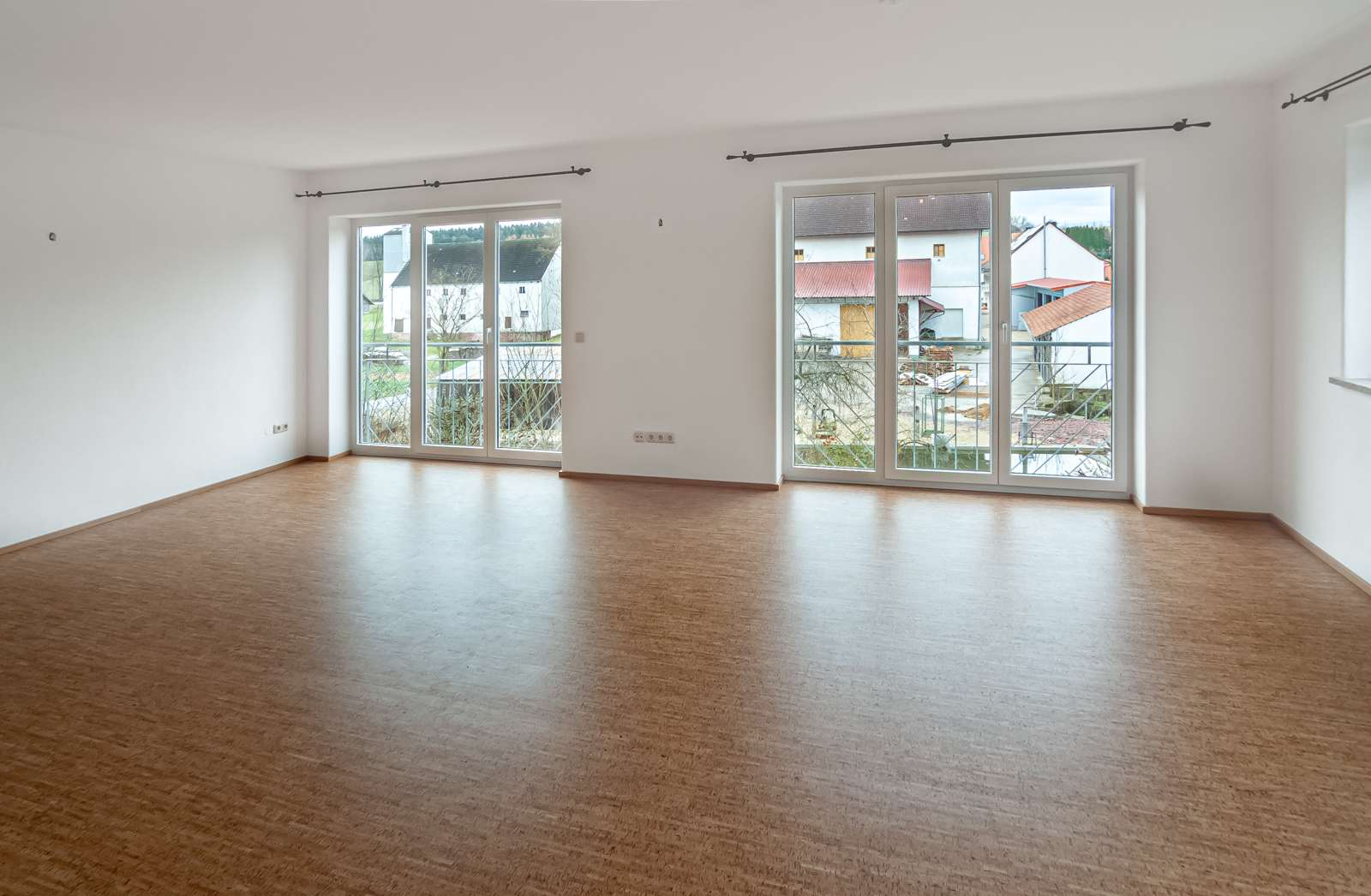 Attraktive neuwertige 3-Zimmer-Wohnung mit großem Balkon und Garage in ruhiger Lage! in