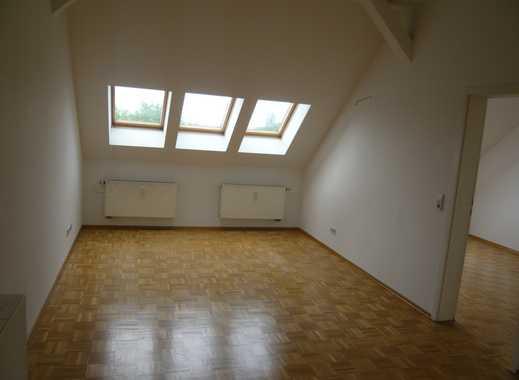 Nette kleine 2-Raum Wohnung im DG mit kleiner Terrasse in Alt-Paunsdorf!