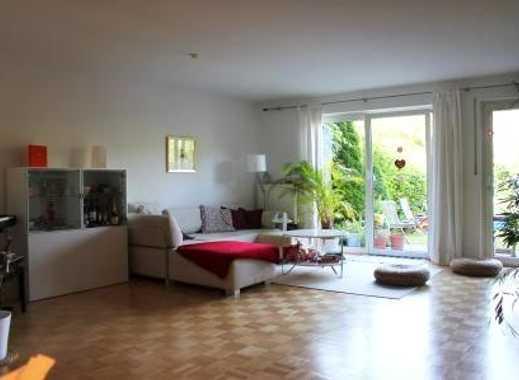 München/Aubing: Modern u.großzügig! Vermietetes RMH in ruhiger Lage mit großzügigen Garten.