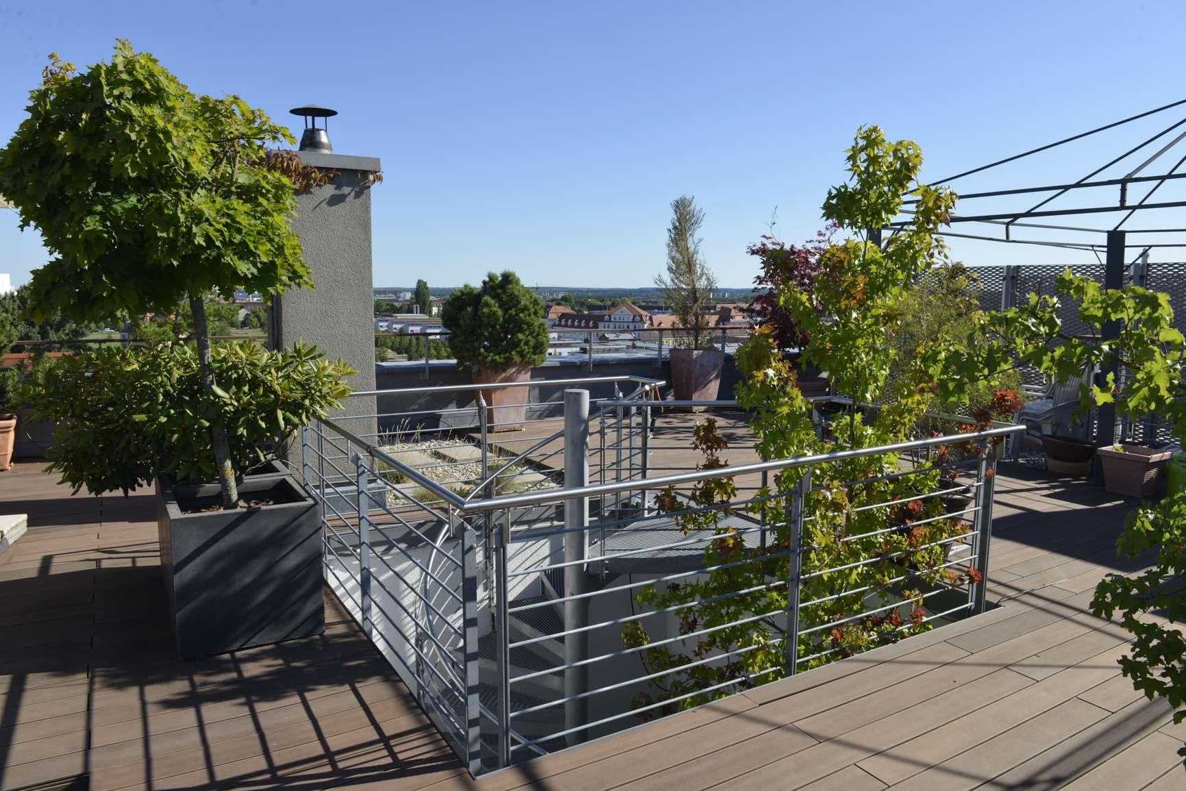 Promenade Südstadtpark: Großzügiges Penthouse mit Wintergarten und XXL-Panorama-Dachterrasse in