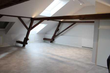 Modernes Dachgeschoss-Apartment in Ismaning - Erstbezug in Ismaning