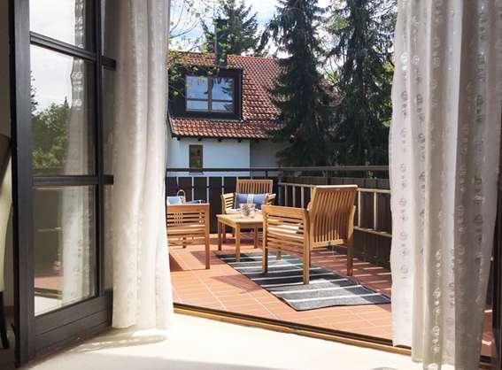 Möblierte 2 Zimmer Wohnung mit tollem Balkon in Trudering (München)