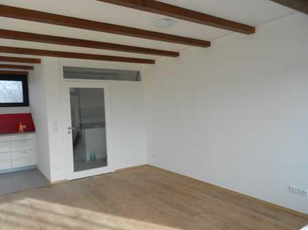 Helle 3-Zimmer-Wohnung mit Balkon und Einbauküche in Ramersdorf, München in Ramersdorf (München)