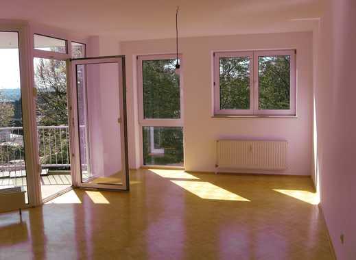 Großzügige helle Wohnung im beliebten 1. Obergeschoss