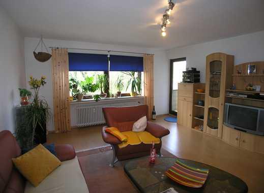 Ruhig gelegene 4-Zimmer-Wohnung, ca. 90 m² mit Ausblick ins Grüne. Süd-Westbalkon.