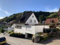 Schönes Haus mit sieben Zimmern