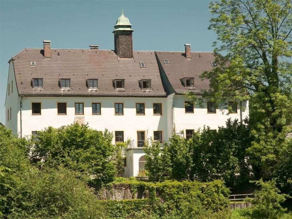 Gemeinschaftliches Wohnen Neubau Schloss Oberbrunn/Nähe Chiemsee (www.schloss-Oberbrunn.eu) in Pittenhart