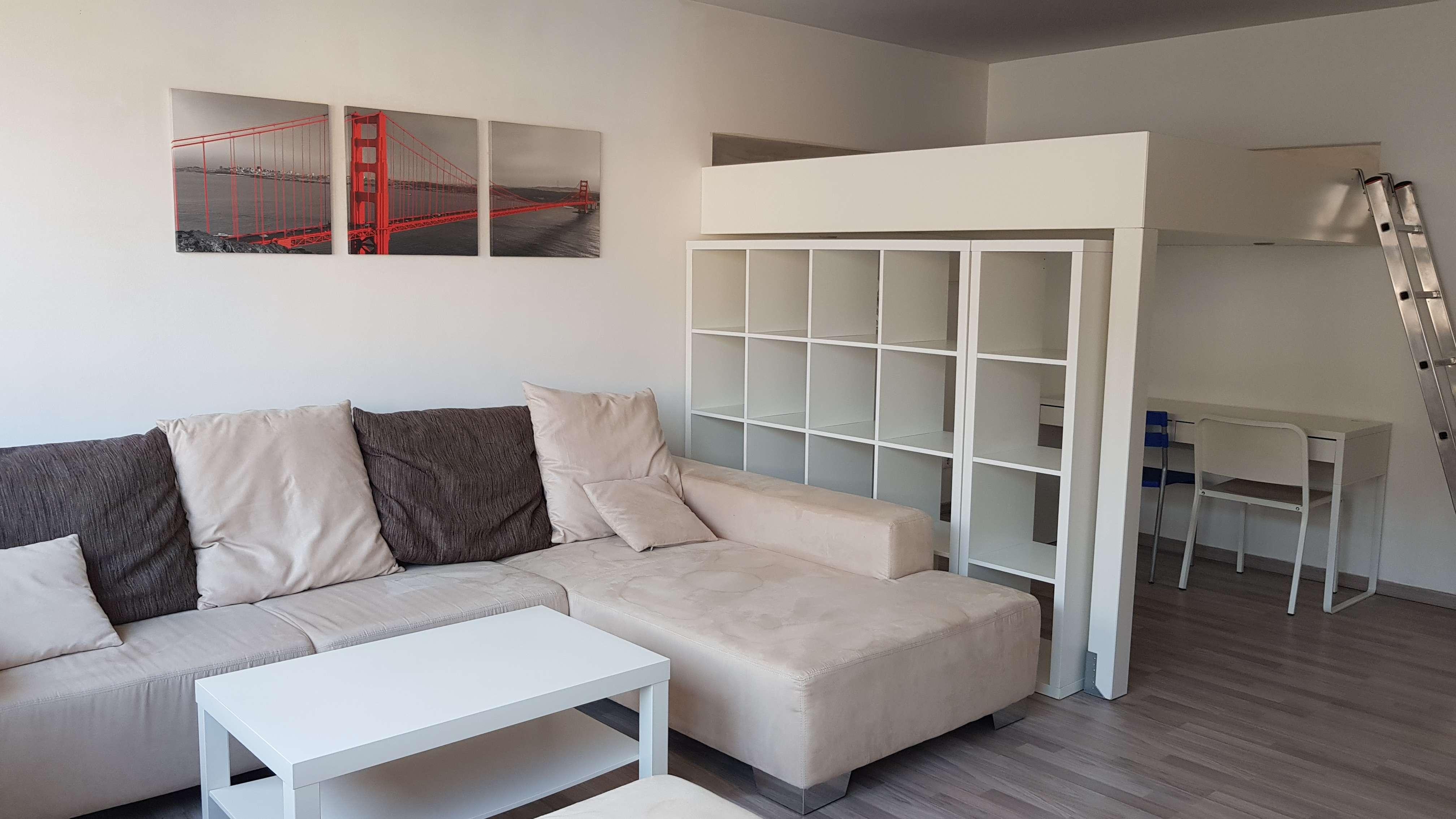 Exklusive, voll möblierte 1,5-Zimmer-Wohnung mit Einbauküche in Oberasbach