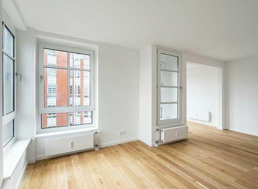 Umfassend sanierte Wohnung mit Einbauküche, Parkett und Balkon
