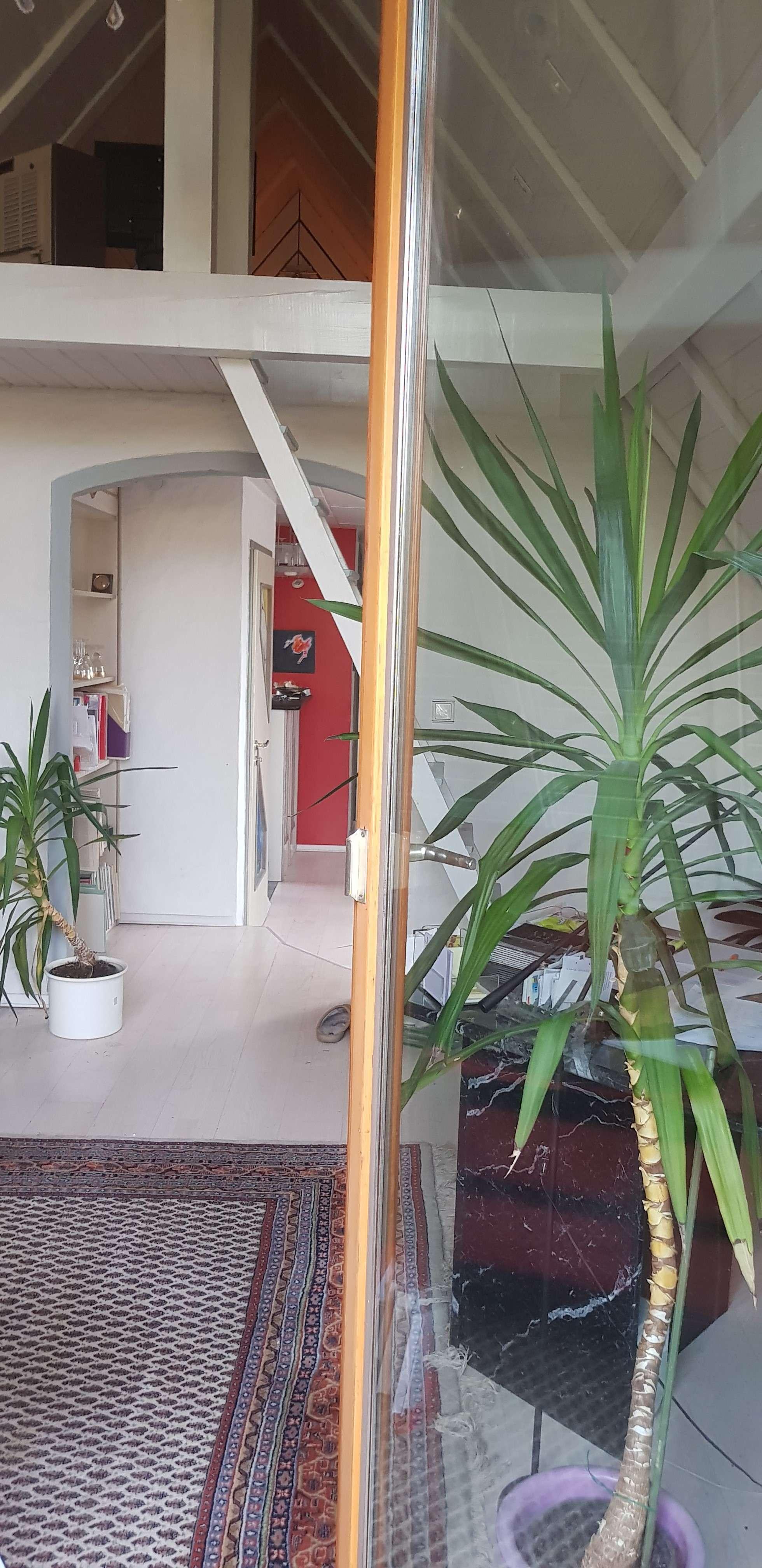 Gehoben ausgestattete DG Wohnung mit Blick auf Grün und See in Weitramsdorf